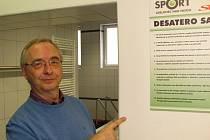 Milan Matura při otevření sauny v atletické hale na Střelnici
