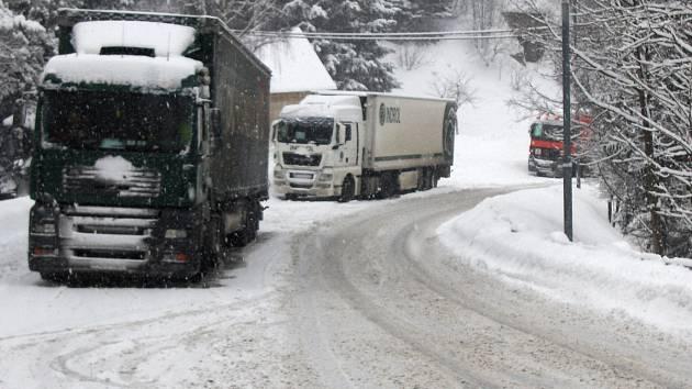 Podobné obrázky jsou mezi Desnou a Harrachovem v zimě běžné