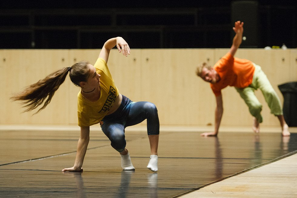 Taneční workshop Léto tančí v jabloneckém Eurocentru.
