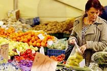 Nákupní košík Deníků - ovoce, zelenina. Ilustrační obrázek.