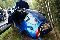 V neděli krátce po deváté hodině ranní došlo k vážné dopravní nehodě na hlavním tahu z Jablonce na Prahu. Při srážce dvou vozidel se zranili čtyři lidé, z toho dva velmi těžce. Přímo k místu havárie na silnici přistál vrtulník letecké záchranné služby.