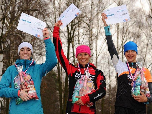 Petra Kuříková (uprostřed) zahájila sezonu vítězstvím. Má ale před sebou další velké cíle.