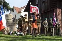 Odhalení pomníku Čestmíru Šikolovi v Malé Skále