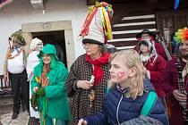 V sobotu se na Dlaskově statku v Dolánkách u Turnova uskutečnil tradiční masopust.