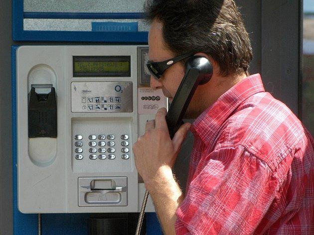 Telefonní automat. Ilustrační snímek.