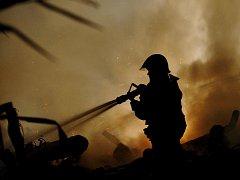 Požár stodoly. Ilustrační snímek.