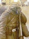 Srpen 1968. Nechápající ruský voják na náměstí před libereckou radnicí.