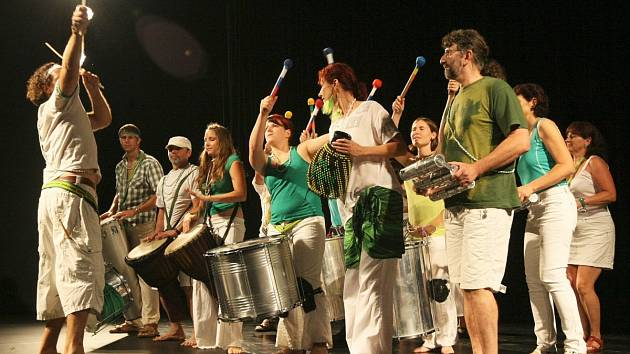 Ze závěrečného koncertu Léto tančí 2012