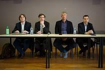 V malém sále jabloneckého Eurocentra proběhlo setkání vedení města s občany Jablonce.