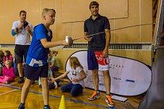 Děti ze Základní školy Pasířská měly výjimečný den. Přijel je navštívit olympionista David Svoboda, vítěz v moderním pětiboji z OH v Londýně v roce 2012.