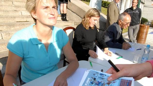 V Jablonci nad Nisou proběhla autogramiáda Barobory Špotákové a Zuzany Hejnové.