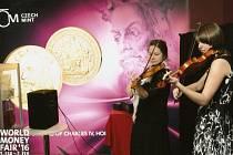 Alžběta Ženíšková a Alžběta Slámová na 38. ročníku World Money Fair v Berlíně.