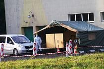 Lidé v karanténě volili z auta. Jablonec nad Nisou