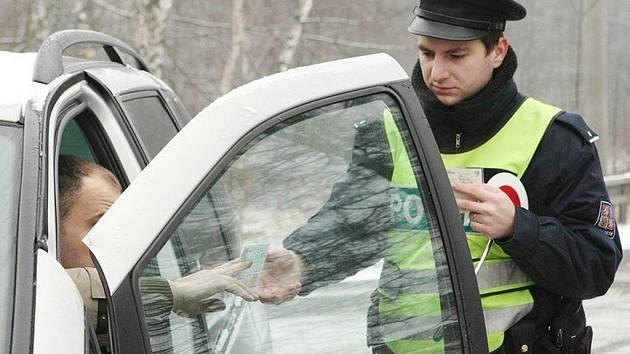 Policejní kontrola. Ilustrační snímek.
