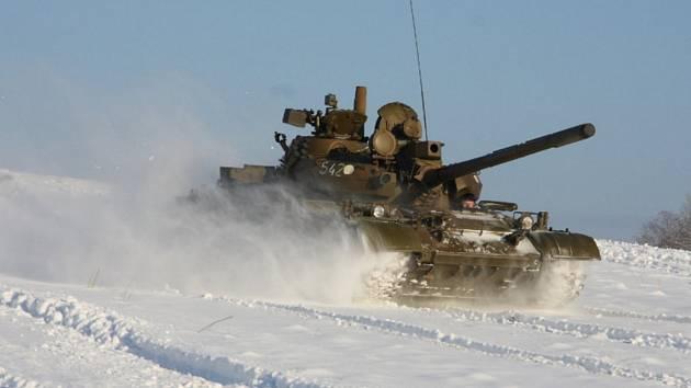 Muzeum obrněné techniky pořádává v lednu jízdy tanky ve sněhu. Poslední roky jsme si je moc neužili