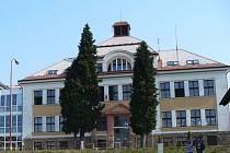 Masarykova základní škola v Zásadě potřebuje zateplit včetně oken.