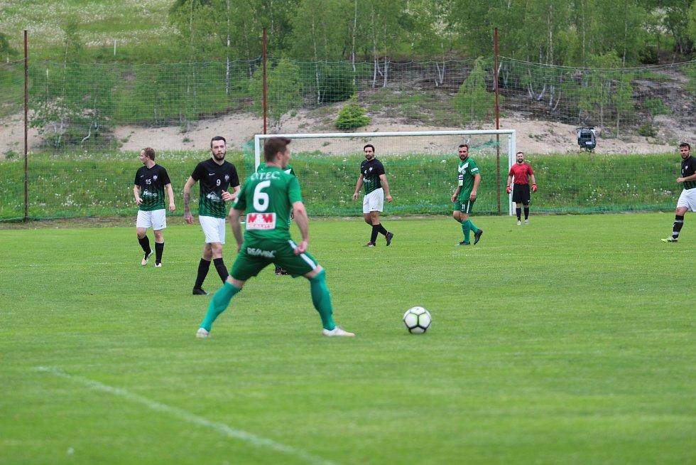 Mužstvo Velkých Hamrů dorazilo do nedalekých Lučan jako favorit na vítězství. Nedařilo se mu ale proměňovat šance. Za to domácím se tentokrát v zápase I. B třídy dařilo.