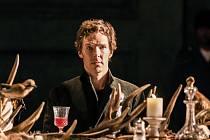Hamleta v podání Benedicta Cumberbatcha zájemci uvidí v sobotu 19. března od 19 hodin také v jabloneckém kině Radnice.