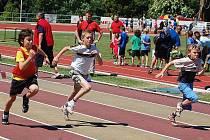 Na stadionu Ludvíka Daňka v Turnově se ve čtvrtek 17. 6. konalo krajské finále trojboje všestrannosti určeného pro žáky 1. – 5. tříd. Start žáků třetích tříd v běhu na 50 metrů.