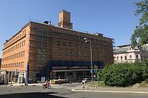 Jablonecká radnice je těsně před dokončením fasády. S opravou se začalo v roce 2016, na přelomu července a srpna má být vše hotovo.