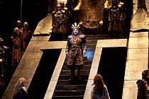 Přenosy z MET velkolepě vstupují do nového roku s Plácidem Domingem jako Verdiho Nabuccem.