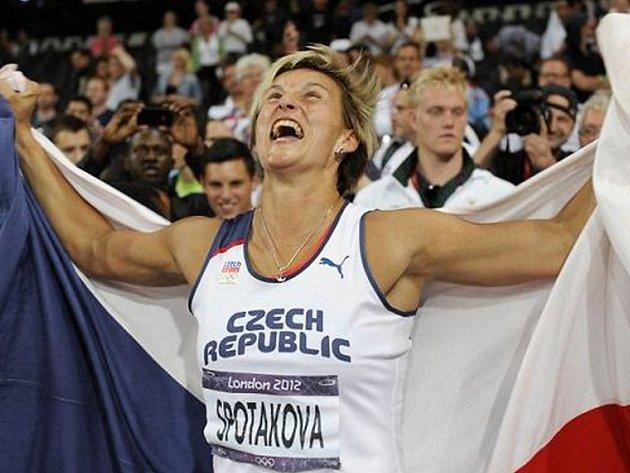 Bára Špotáková bezprostředně po vítězství na LOH 2012