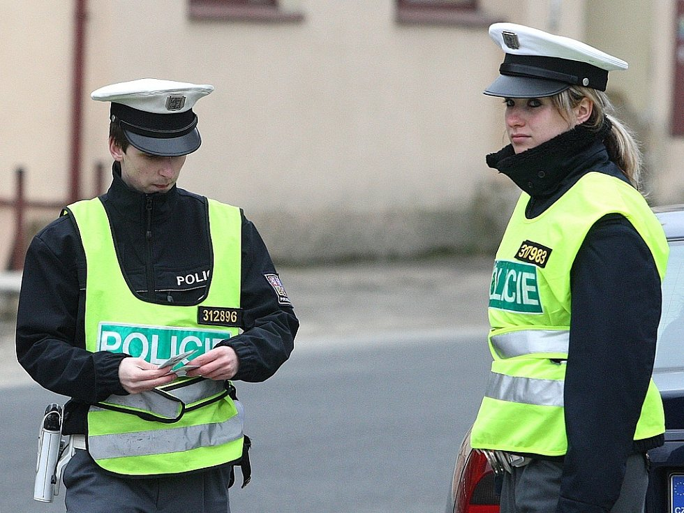 Policejní kontrola na silnicích.