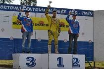 Milan Engel na vítězném stupni mezi juniory.