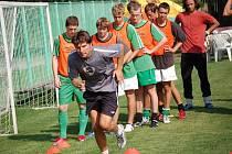 Dorost dnes startuje. První mistrovské utkání sehrají dnes dorostenci FK Jablonec 97 v České lize dorostu. Včera tým pod vedením Romana Skuhravého (vpředu) absolvoval předzápasový trénink.