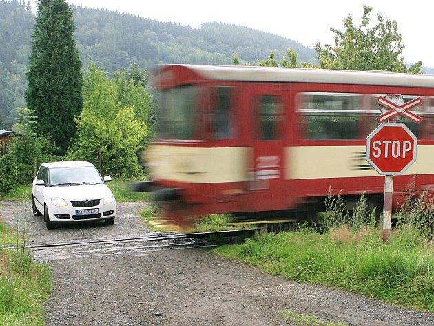 Inkriminovaný přejezd v Plavech.