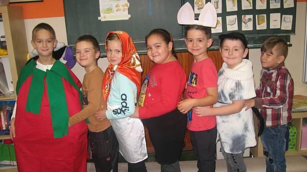 Minulý týden se žáci 1. B Základní školy Tanvald sportovní oblékli každý den do jedné podzimní barvy.