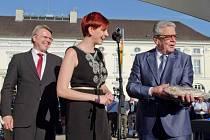 Výrobky s logem Jizerské hory zná i německý prezident Joachim Gauck (vpravo)