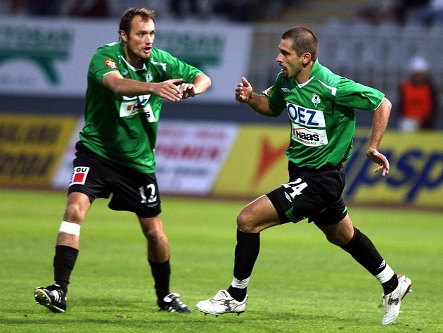 Gambrinus liga - Na snímku radost po prvním golu Petr Pavlík a Filip Klapka