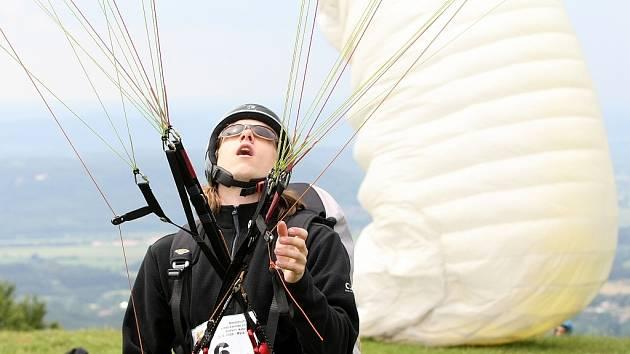 Mistrovství ČR v extrémním závodě štafet I. kategorie EXTREM CUP 2009 se čtyřmi disciplínami běh, mtb, paragliding a kajak odstartoval na Žluté plovárně v Malé Skále. Běžci předali štafetu bikerovi. Ten na Kozákově předal paraglidistovi.
