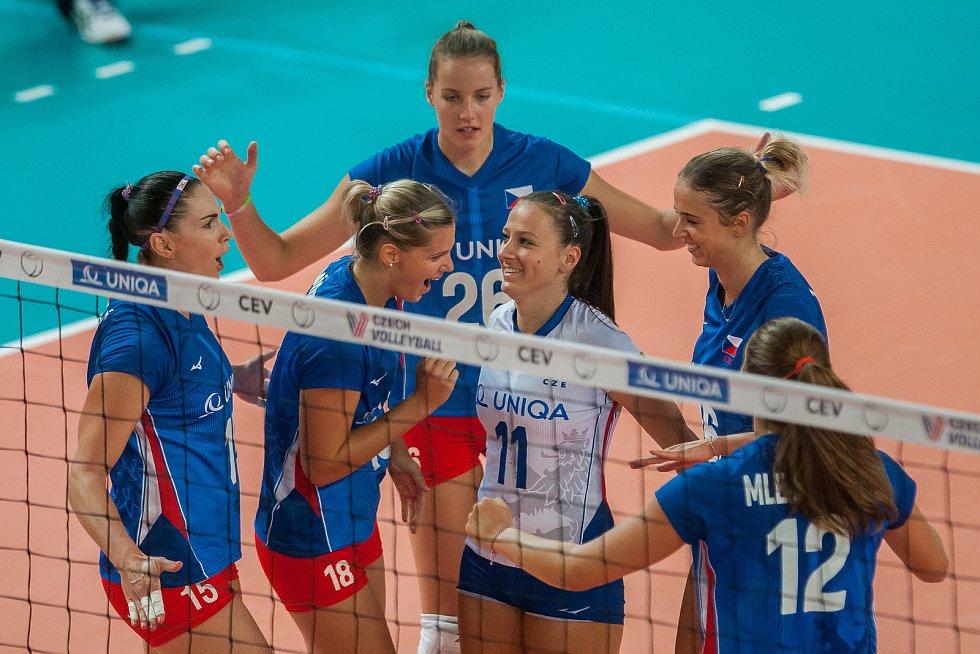 Kvalifikační utkání o postup na volejbalové mistrovství Evropy 2019 žen mezi reprezentačním výběrem České republiky a Estonska se odehrálo 22. srpna v Jablonci nad Nisou. Na snímku je radost hráček Česka.