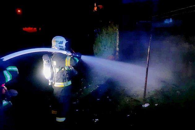 Tragédii během požáru domu vHuti nyní vyšetřují jablonečtí kriminalisté