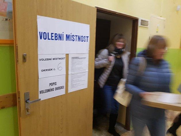 Prezidentské volby vokrsku č. 6, vbudově Základní školy 5.května vJablonci nad Nisou.