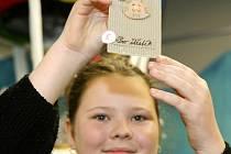 Aukce výtvarných děl dětí jabloneckých mateřských, základních, středních a uměleckých škol proběhla v Eurocentru.