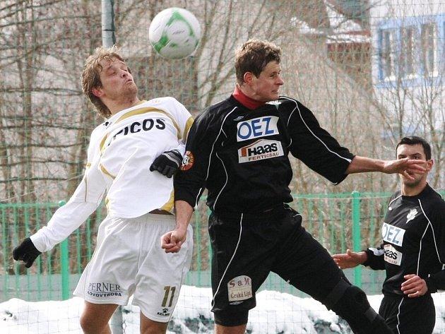 Fotbalisté FK BAUMIT Jablonec remizovali v sobotu dopoledne v rámci utkání České fotbalové ligy ve Mšeně s Hlavicí 1:1.