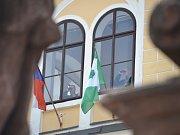 Prezident Miloš Zeman přijel do Jilemnice v doprovodu hejtmana Libereckého kraje Martina Půty. Očekávala je starostka Jana Čechová.