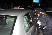 V sobotu kolem půl deváté večer došlo na jablonecké ulici Pražská, u mostu přes železniční trať, k dopravní nehodě.