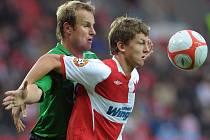 V dohrávce 6. kola 1. GL se střetli SK Slávia Praha s FK Baumit Jablonec. Domácí potvrdili dobrou formu a v utkání s šancemi na obou stranách zvítězili 2:0. Jiří Homola, Tomáš Necid.