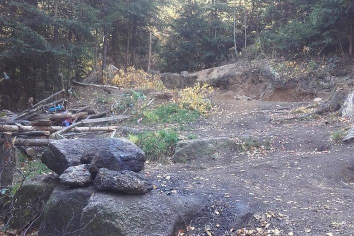 Likvidace bezdomovecké osady na Prosečském hřebeni.