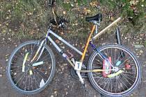 Cyklista, který usedl na kolo po šesti pivech, havaroval na cyklostezce u přehrady.