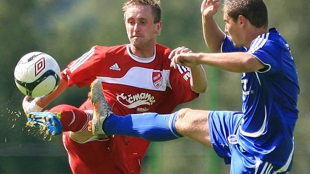 Jaroslav Peškar (vlevo) se trefil za Mšeno ve druhém zápase v řadě po návratu do sestavy.