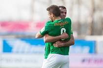 Zápas 23. kola 1. fotbalové ligy mezi týmy FK Jablonec a FC Fastav Zlín se odehrál 9. dubna na stadionu Střelnice v Jabloneci nad Nisou. Na snímku zleva Mirzad Mehanovič a Nikola Jankovič.