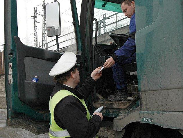 Kamionová a nákladní doprava. Ilustrační snímek.