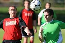 Velké Hamry (v zeleném) na domácím hřišti prohrály s Mimoní 0:2.