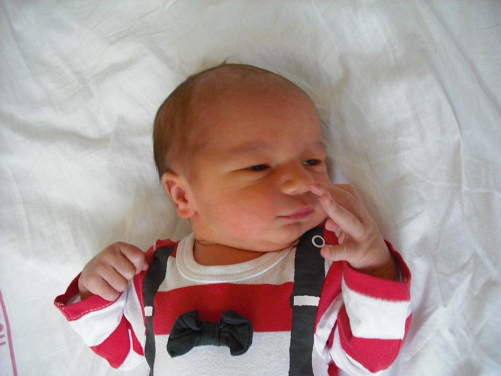 Filip Šábrt. Narodil se 30. ledna v jablonecké porodnici mamince Lence Frydrychové z Jablonce nad Nisou. Vážil 3,78 kg a měřil 50 cm.