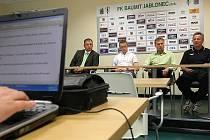 Na zkoušce v týmu FK Baumit jsou Brazilci. Snímek z tiskové konference.